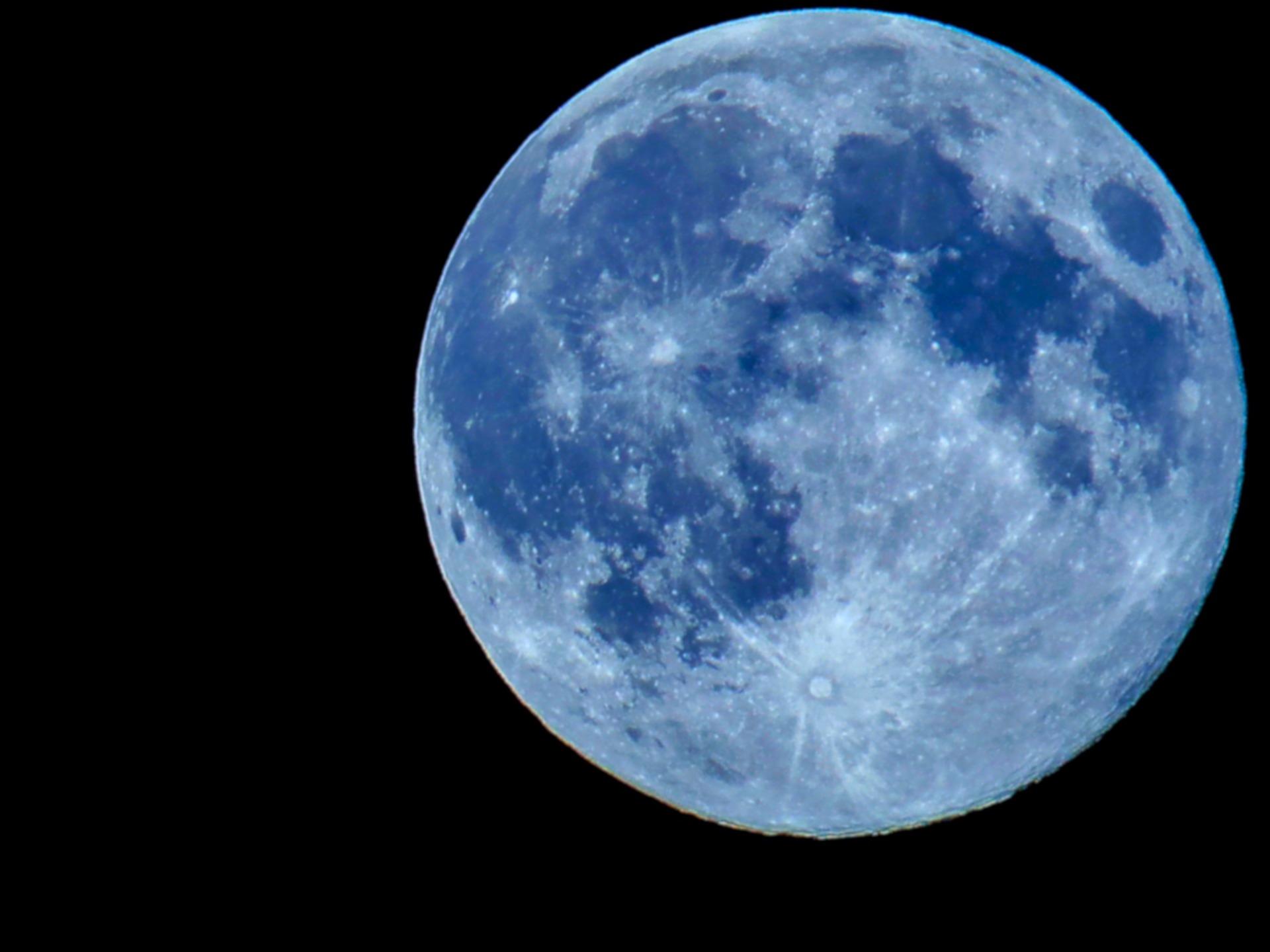 Blue Moon, Dark Moon, Nose Moon, Tail Moon - Star In A Star