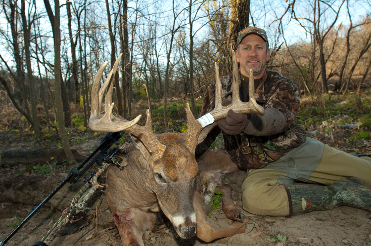 Best Rut Dates In The Great Lakes Region - Midwest Whitetail