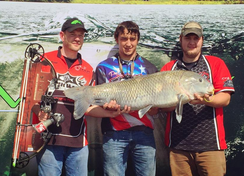 Huge Fish Arrowed In Season'S First Major Bowfishing