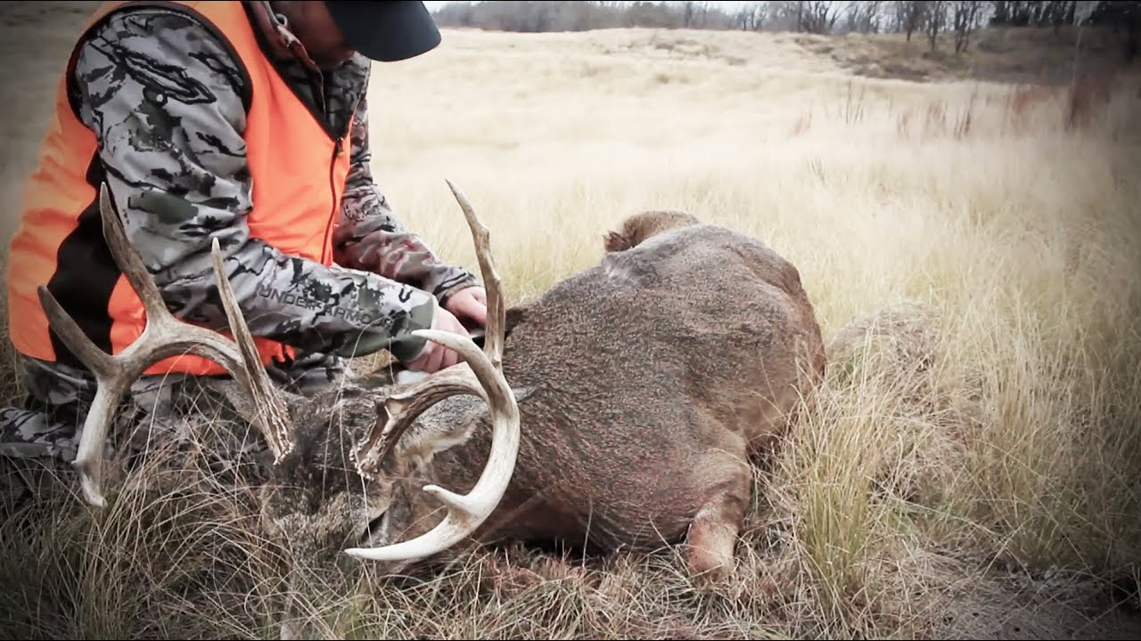 S:5 E:11 Hunting The Rut For Big Whitetail Bucks In
